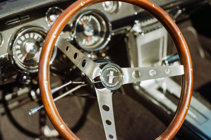 Mustang dash