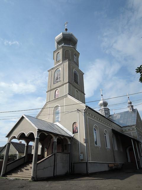 Свято-Духовский храм в Нанково
