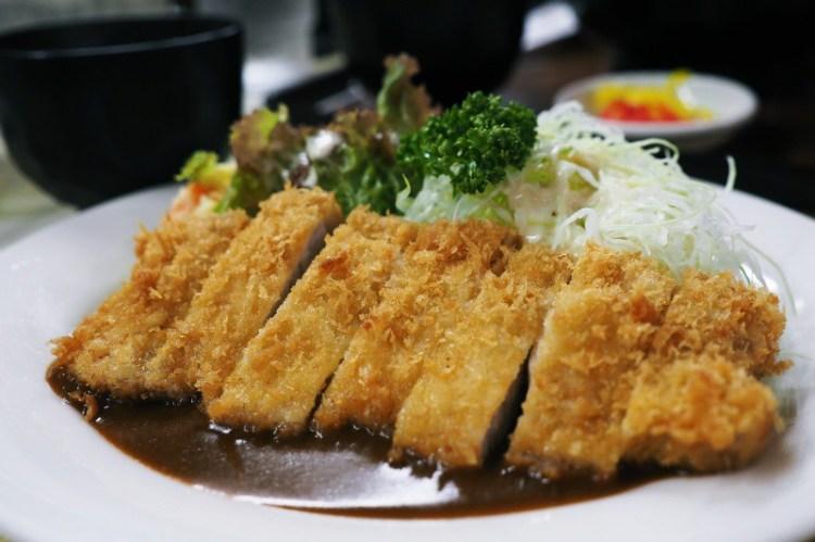 京都美食|咬一口老奶奶現炸薄皮豬排,低調隱身京都車站周邊的懷舊豬排店| とんかつ一番