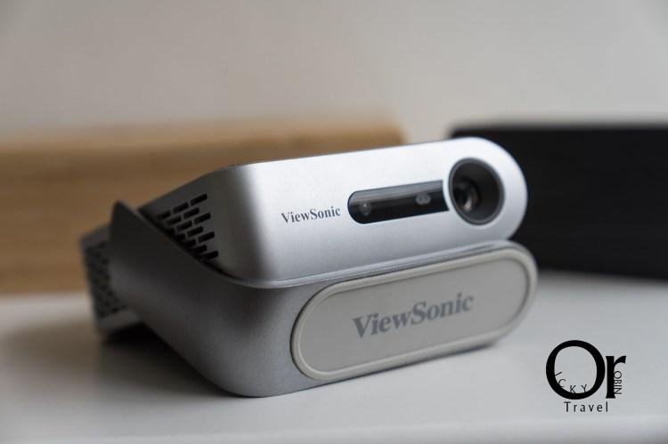 投影機開箱|ViewSonic M1 攜帶型投影機,輕便好攜帶,讓你走到哪都能跟朋友一起看球賽、電影,露營必備品