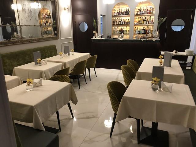 Bar /Restaurant : Elizabeth Unique Hotel