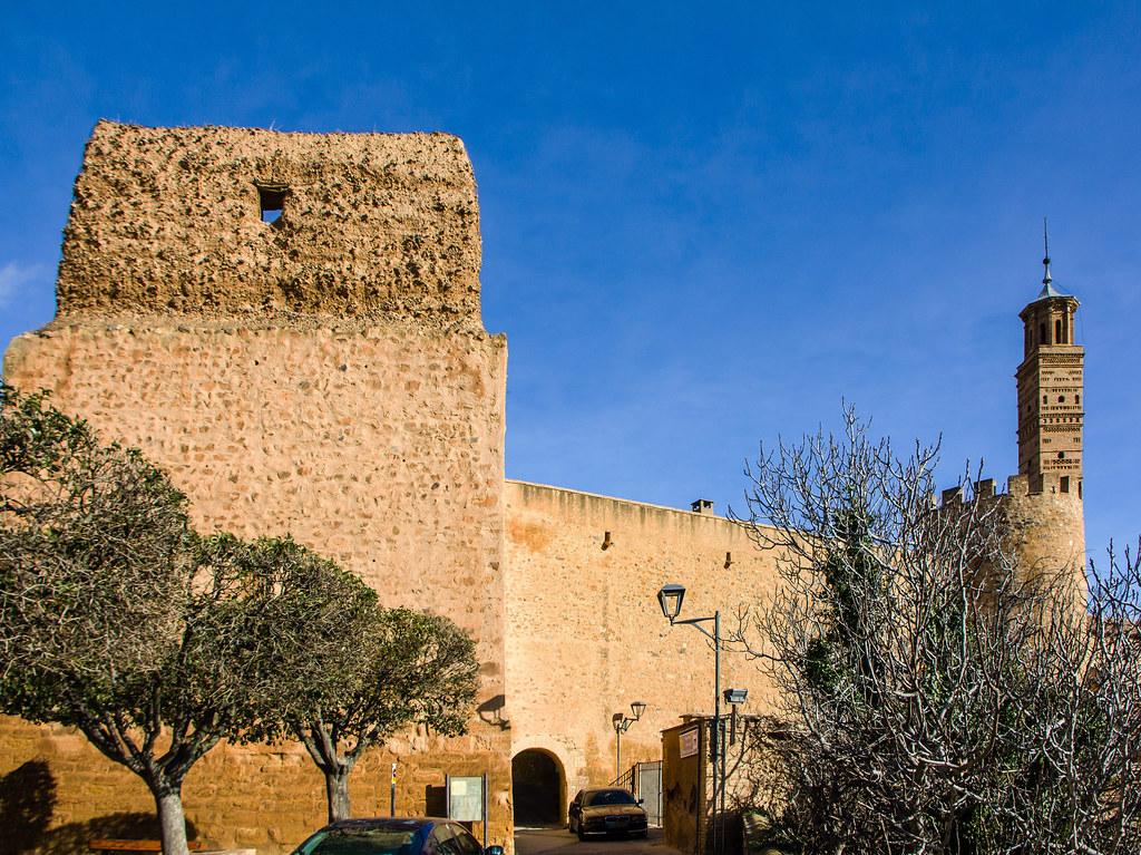 Muralla y exterior Iglesia de la Concepción de Nuestra Señora Antiguo convento de concepcionistas Tarazona Zaragoza