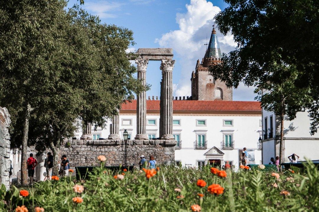 Templo Romano, Evora