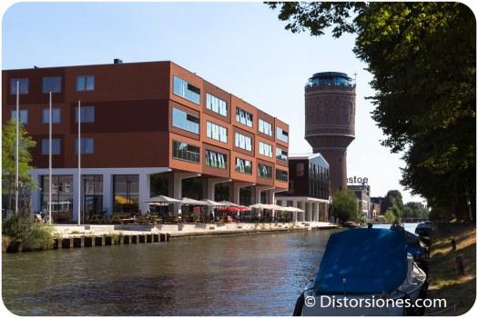 Torre de agua junto al Vaartsche Rijn