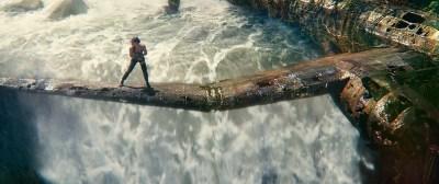 """""""Tomb Raider"""" nie wstydzi się być ekranizacją gry – recenzja filmu - Filmowicz"""