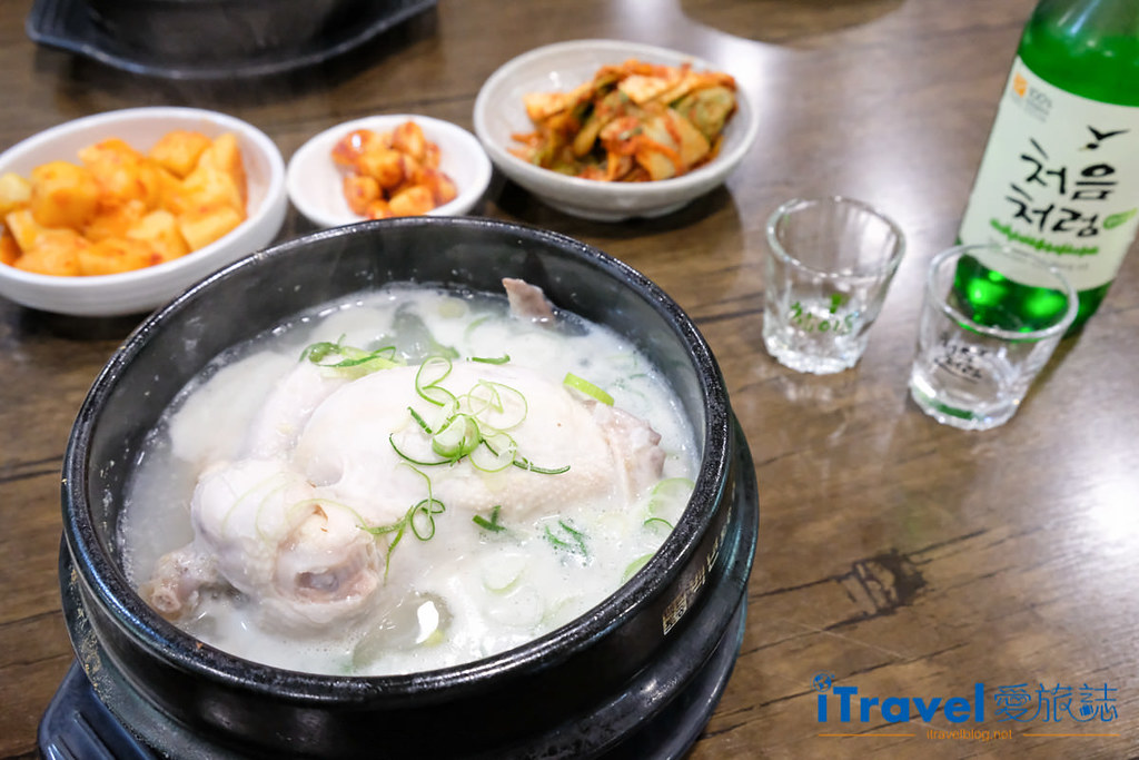 首尔美食餐厅 北村百年土种蔘鸡汤 (1)