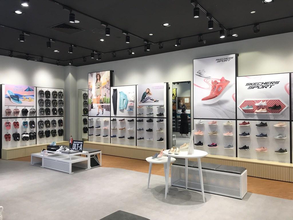 Skechers Concept Store Suntec City_Store Interior 07