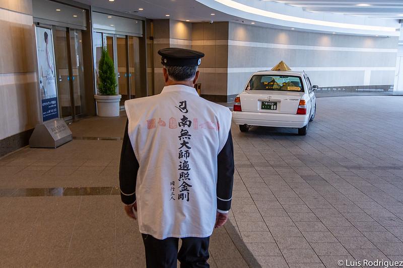 Conductor y Ohenro Taxi