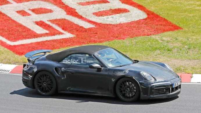 porsche-911-turbo-cabriolet-spy-shots (1)