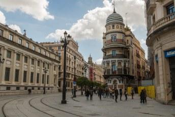 Dit vond ik het mooiste gebouw in de stad, Edificio de la Adriática.