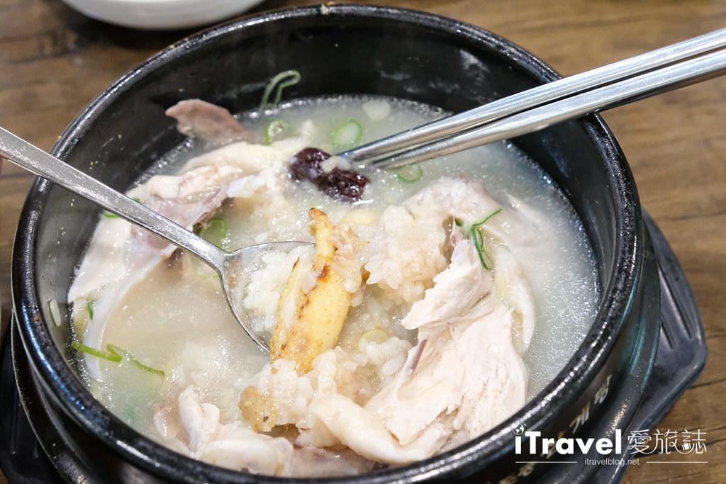 首尔美食餐厅 北村百年土种蔘鸡汤 (27)