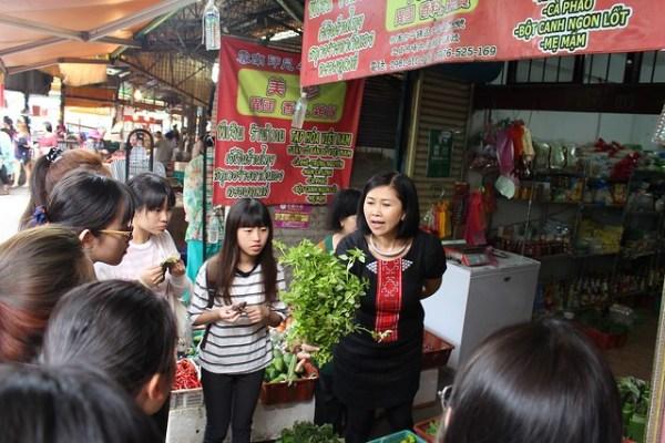 學生在全台獨一,擁有的「滇緬少數民族」文化采風的忠貞市場,認識不同於閩客原料理的雲南香料文化1