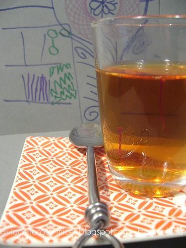 Infusione: thè bianco e zafferano