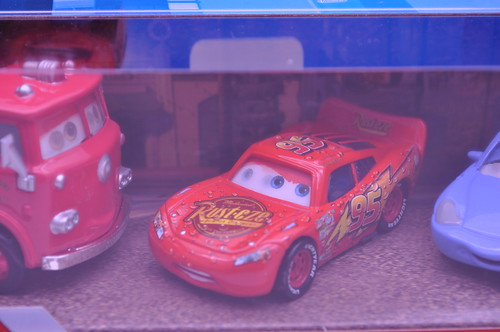 Disney Cars red wet mcqueen sally 2 pack (3)