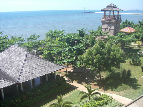 Pemandangan Wahana Bahari Lamongan dari luar