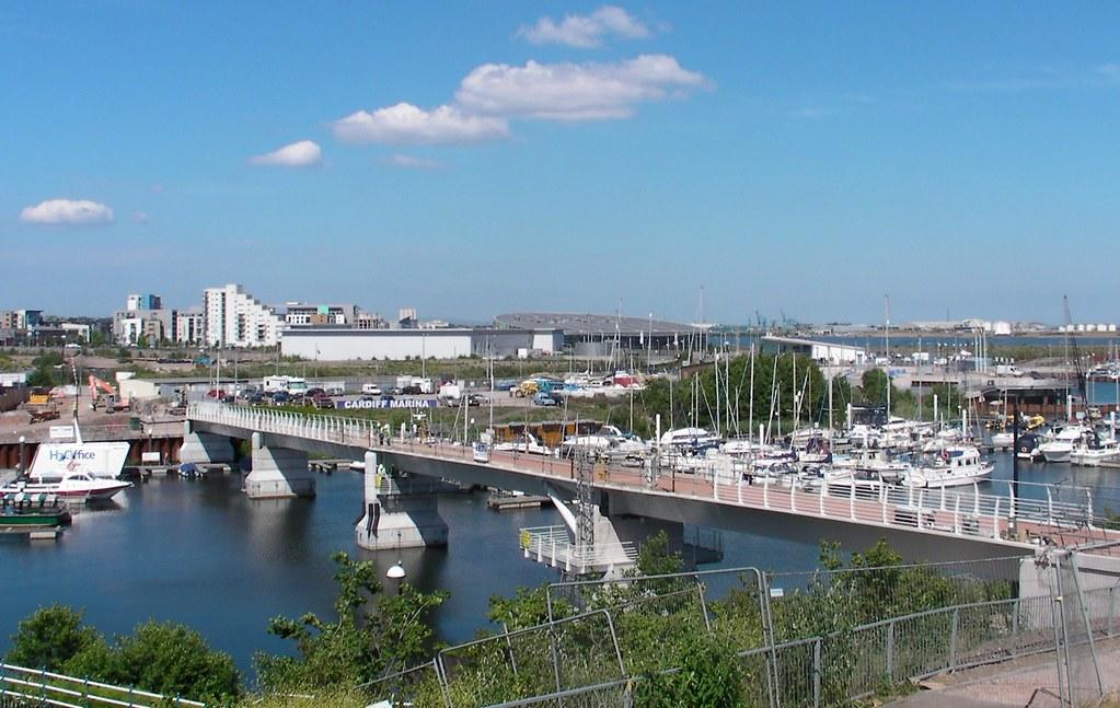 Pont y Werin bridge delays