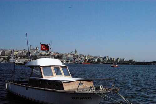Golden Horn and boats with Galata Tower view, Galata Kulesi, Haliç ve tekneler, Istanbul, pentax k10d