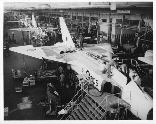 Az utolsó Arrow, az első Mk.2-es, az RL-206 a futószalagon. A program leállításakor ez a gép majdnem készen volt.