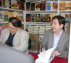 Federico+Jim%C3%A9nez+Losantos+y+C%C3%A9sar+Vidal+firmando+libros