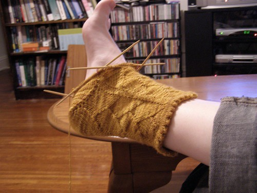 Golden Dragon Sock has a heel!