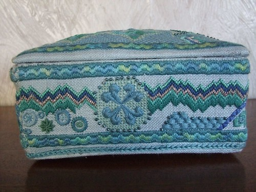 needlepoint box 2