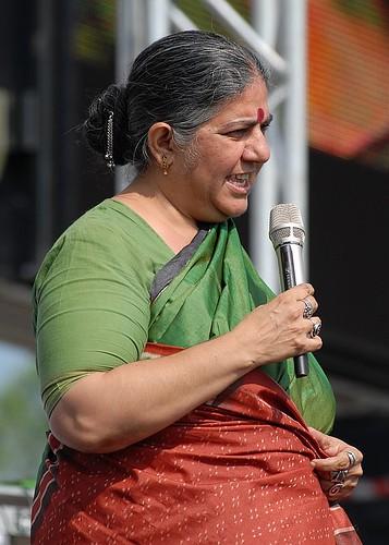 Vandana Shiva por U2005.com.