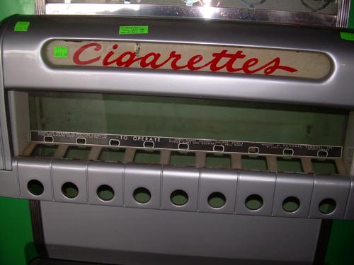 1930's cigarette machine