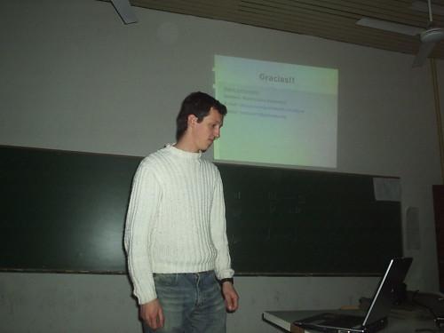 Maxi en su charla de Cfengine