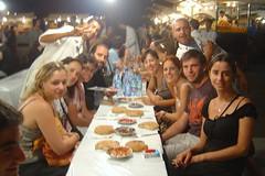 Sopar a la plaça Jma el-Fna (Marraqueix)