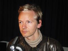 Julian Assange (1)
