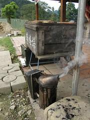 66.養蜂箱以及燻煙