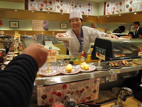 Sushi in Japan - sushi mistovev :)