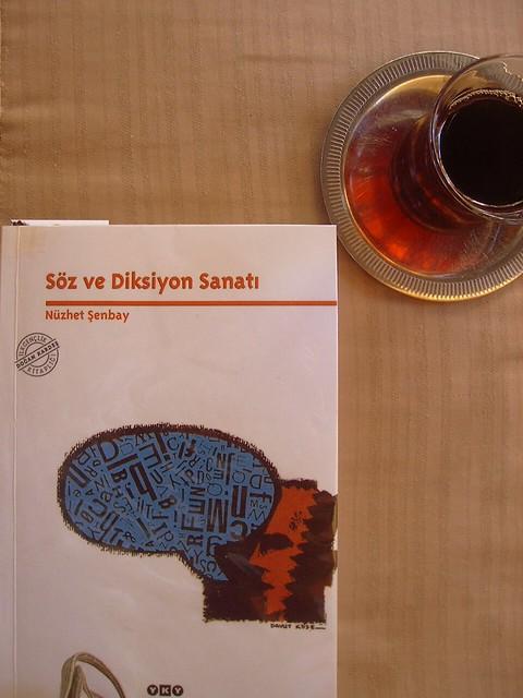 Kitap ve Çay
