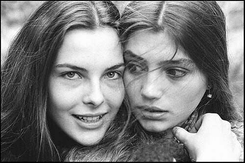 Carole Bouquet y Ángela Molina