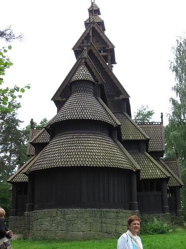 Exterior de la iglesia nórdica, parte dorsal.