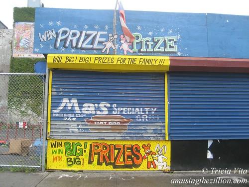 RIP Win Win Win Big! Big! Prizes, September 12, 2009. Demolished on June 18, 2010. Photo © Tricia Vita/me-myself-i
