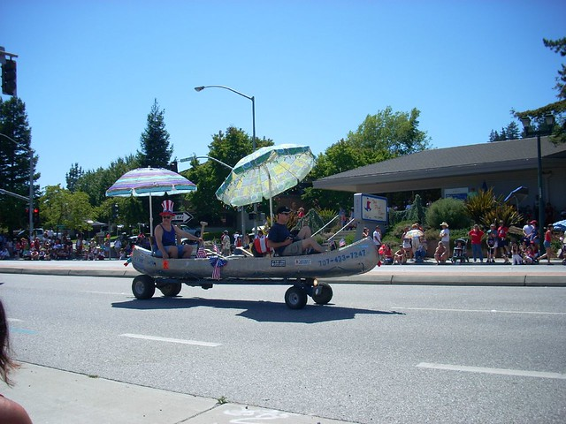 Motorized canoe