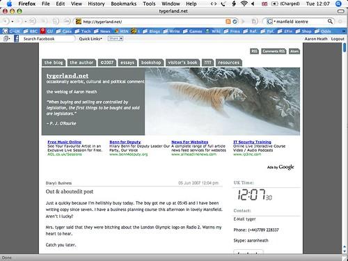 Sexy Firefox screen on white ibook
