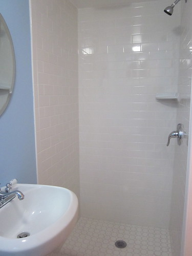 sink. shower.