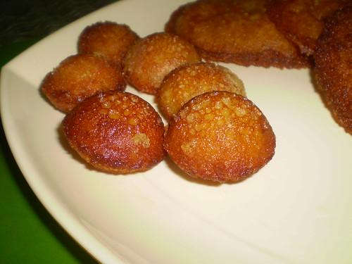 Appam and vadai for varalakshmi pooja neivedyam. (2/2)