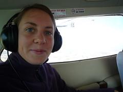 Sarah in der Cessna ueber Nasca