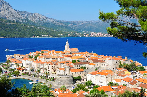 Hiking to Fort Wellington from Korcula