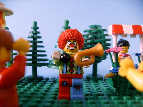 Lego clown arrives with circus in Brickford.