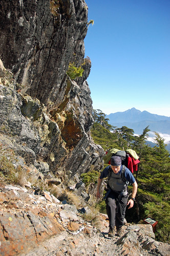 Ross hiking towards the Xinda Cabin