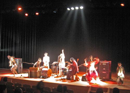 10-15-10-Japan-Tateyama-concert-RabiRabi with Saya, Yasu, Ellie and child dancing2.jpg