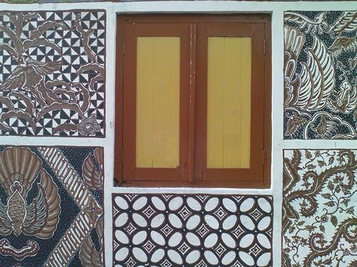 batik motif mural