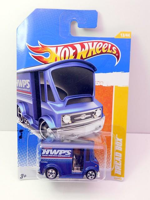 hot wheels bread box blue (1)