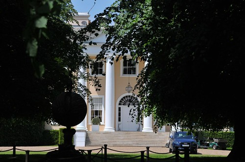Howletts House