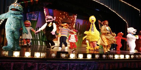 Sesame Street Live: Elmo's Coloring Book - 24