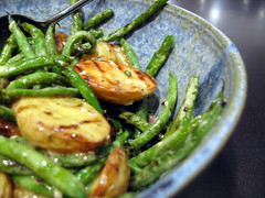 Grilled Green Bean and Potato Salad